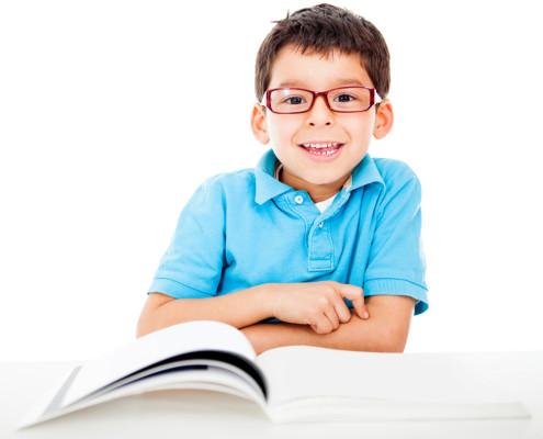 sintagma-predskolske-kreativne-radionice-djecak-sa-knjigom